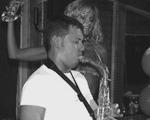 Dancing Sax